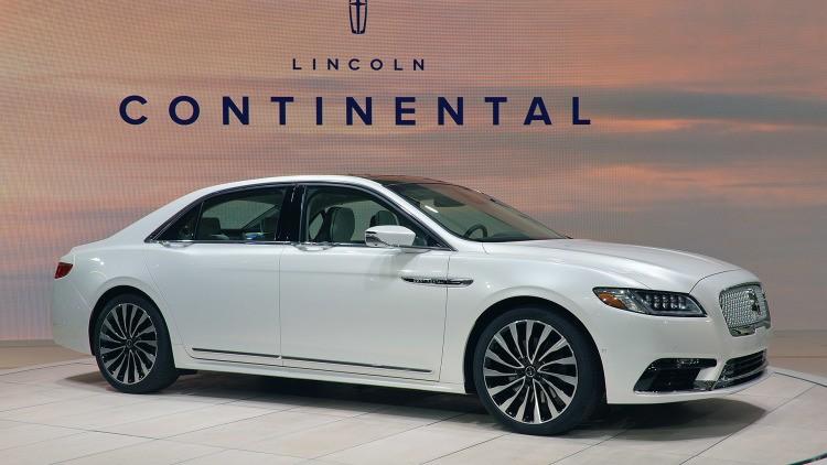 Lincoln Continental có thể tăng tốc từ 0-96km/h trong 5,5 giây.