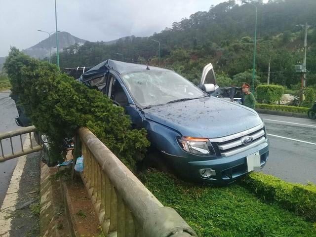 Một số hình ảnh hiện trường vụ tai nạn với chiếc Ford Ranger: 3.