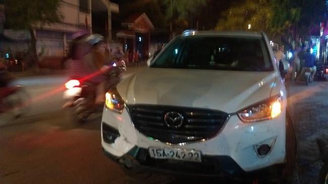 Hải Phòng: Phụ nữ cầm lái Mazda CX-5 gây tai nạn liên hoàn.