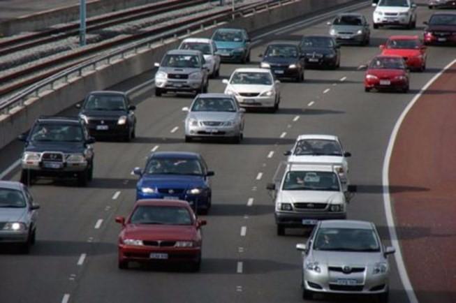 Xử phạt xe ô tô đi sai làn đường