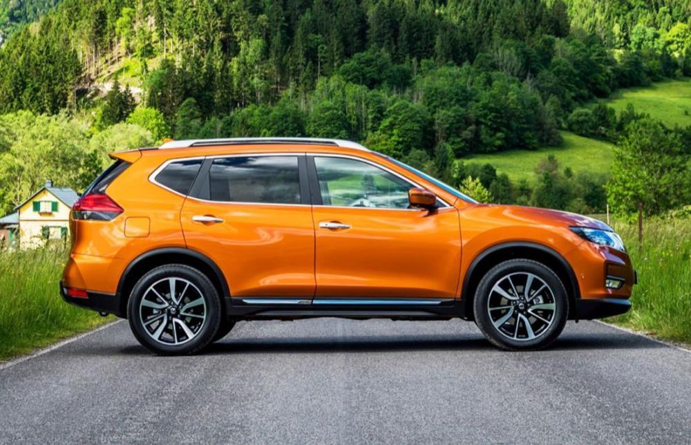 thân xe Nissan X-Trail 2018 2