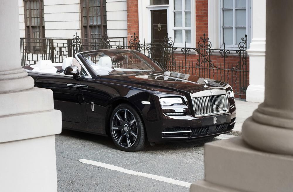 đầu xe Rolls-Royce Dawn Mayfair Edition 2