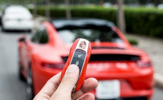Thói quen rút chìa khóa khi ra khỏi xe hơi