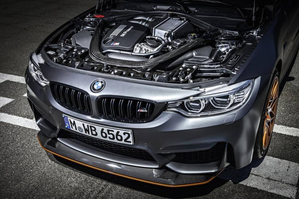 động cơ BMW M4 GTS 7