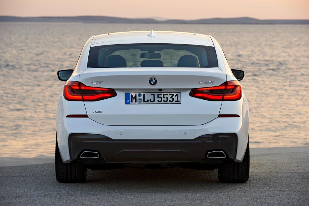 đuôi xe BMW 6-Series GT 5
