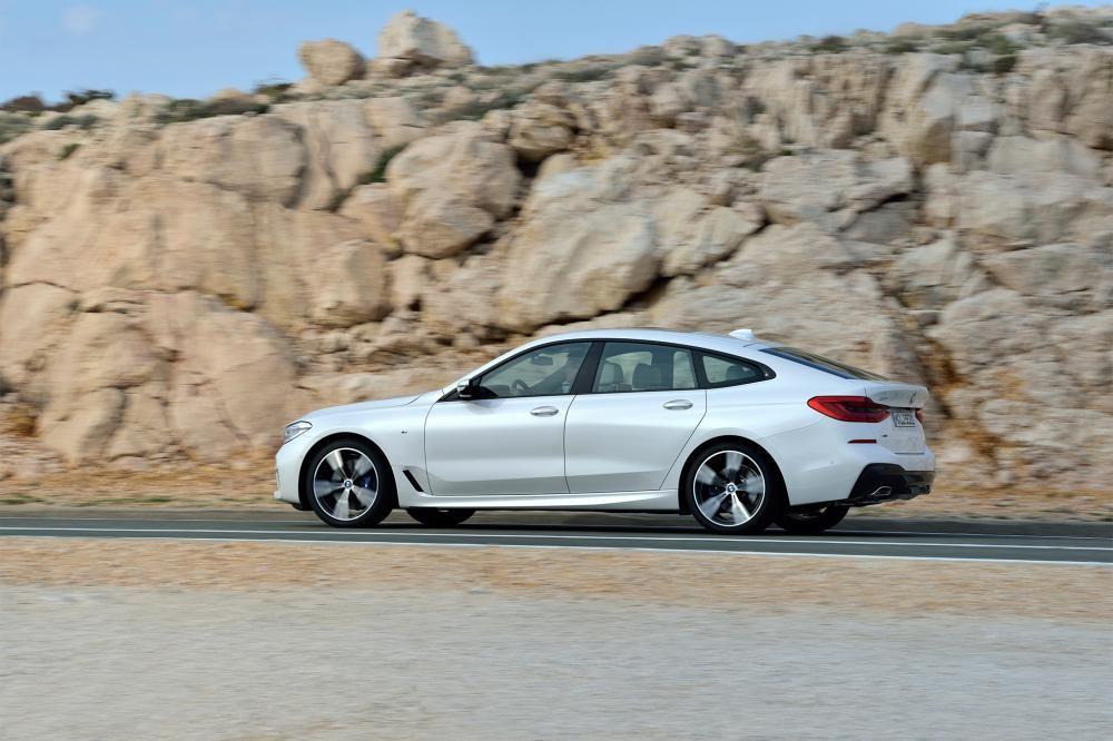 BMW 6-Series GT trên đường chạy 7