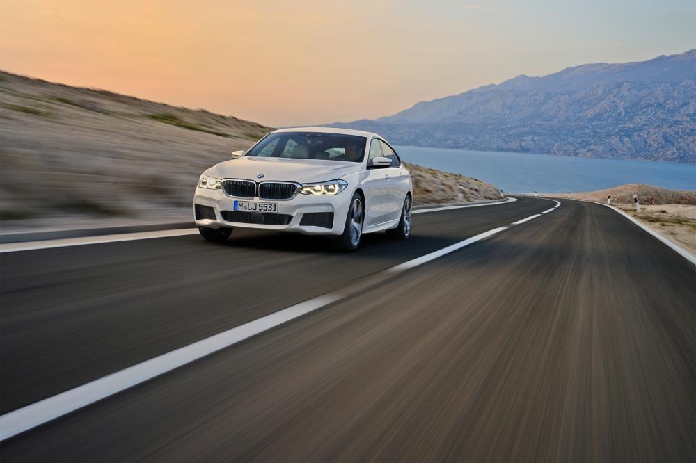 BMW 6-Series GT trên đường chạy 6