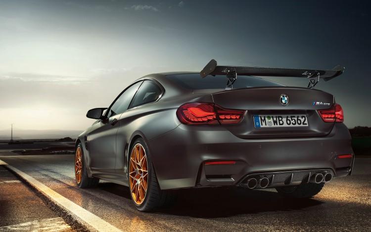 đuôi xe BMW M4 GTS 2