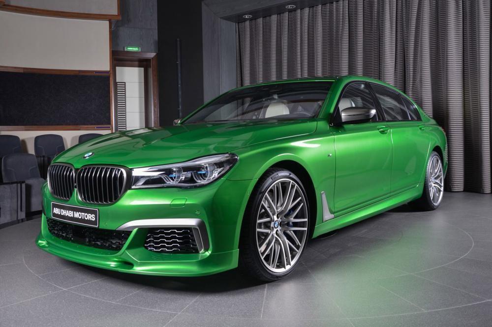 đầu xe BMW M760Li Rallye Green 1