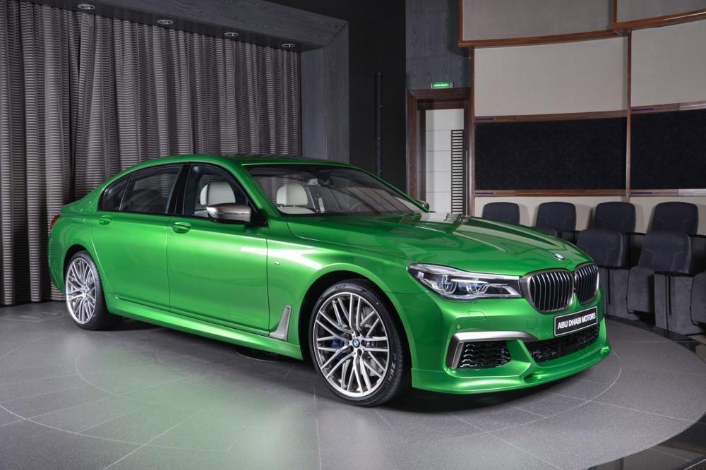 đầu xe BMW M760Li Rallye Green 4