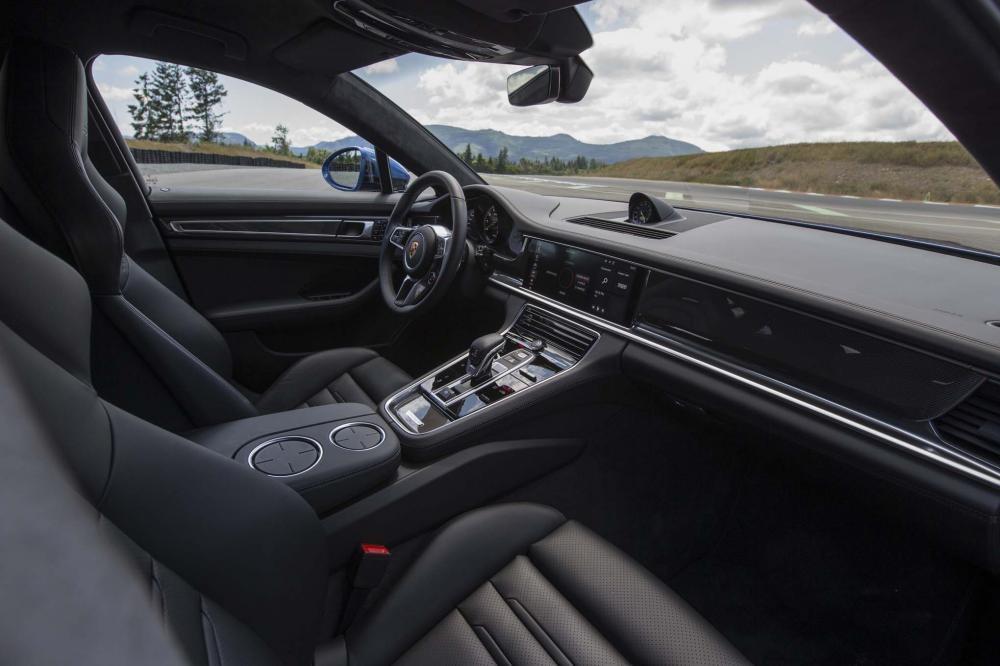 nội thất Porsche Panamera Turbo Sport Turismo 2018 13