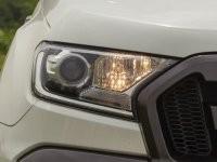 Cụm đèn pha của Ford Ranger 2016