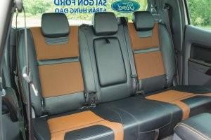 Hàng ghế sau của Ford Ranger 2016