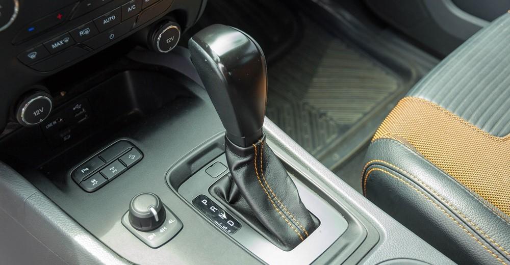 Hộp số tự động 6 cấp trên Ford Ranger 2016