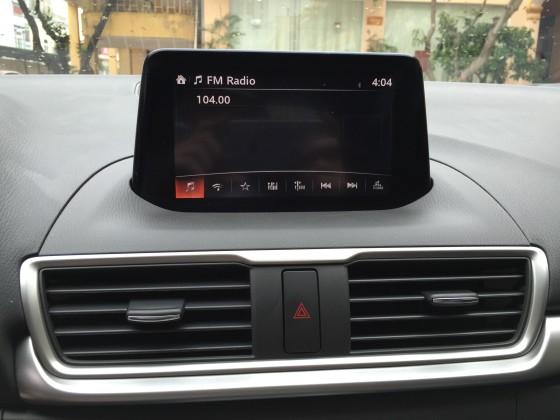 Hệ thống giải trí Mazda 3 2017 12