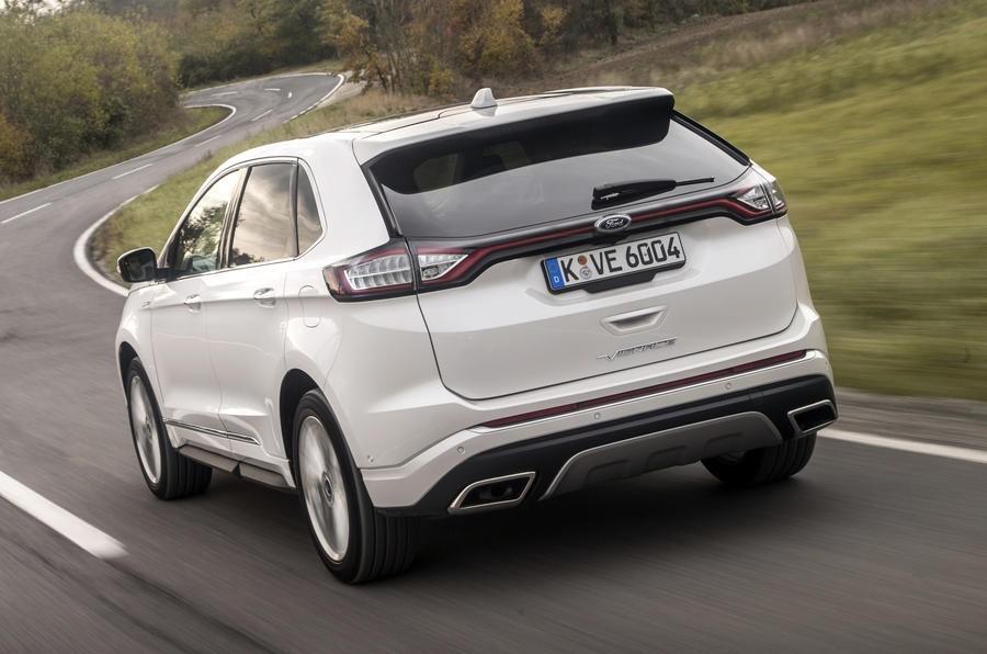 Đánh giá xe Ford Edge 2017: Mẫu xe 2 hàng ghế lý tưởng cho gia đình 5 người 1