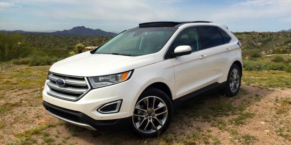 Đánh giá xe Ford Edge 2017: Đầu xe vuông vắn 1