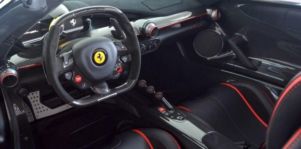 Nội thất của Ferrari LaFerrari Aperta