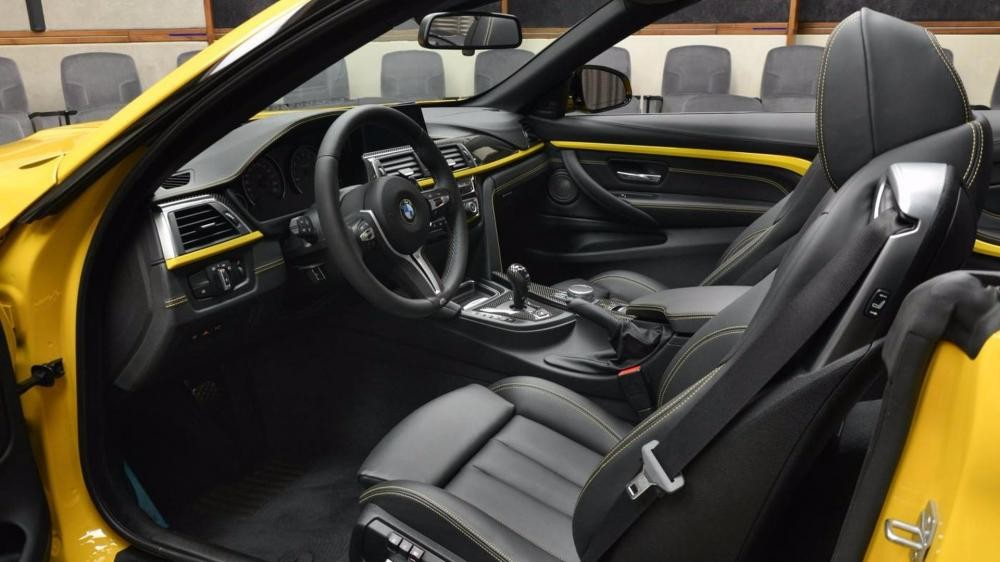 nội thất BMW M4 Convertible Speed Yellow 11