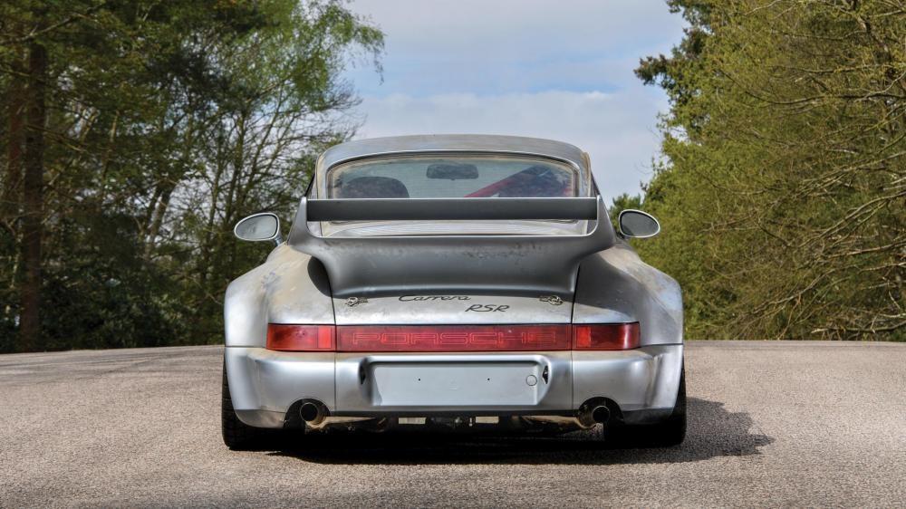 đuôi xe Porsche 911 Carrera RSR 6