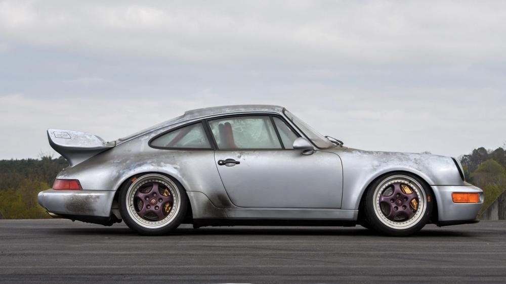 thân xe Porsche 911 Carrera RSR 3