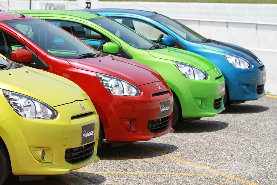 300 triệu đồng mua ô tô cũ nào bền bỉ ở Việt Nam.