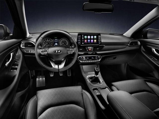 Hyundai i30N 2018 được trang bị nhiều tiện nghi hiện đại