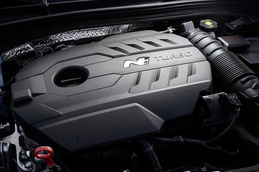 Hyundai i30N 2018 được trang bị động cơ tăng áp 2.0L T-GDI