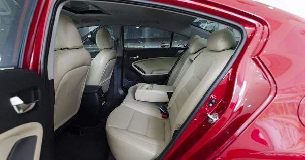 ghế sau Kia Cerato 2017 14