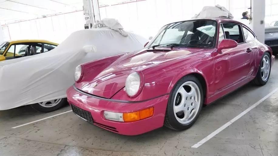 Khám phá nhà kho bí mật chứa những chiếc Porsche cực hiếm 9