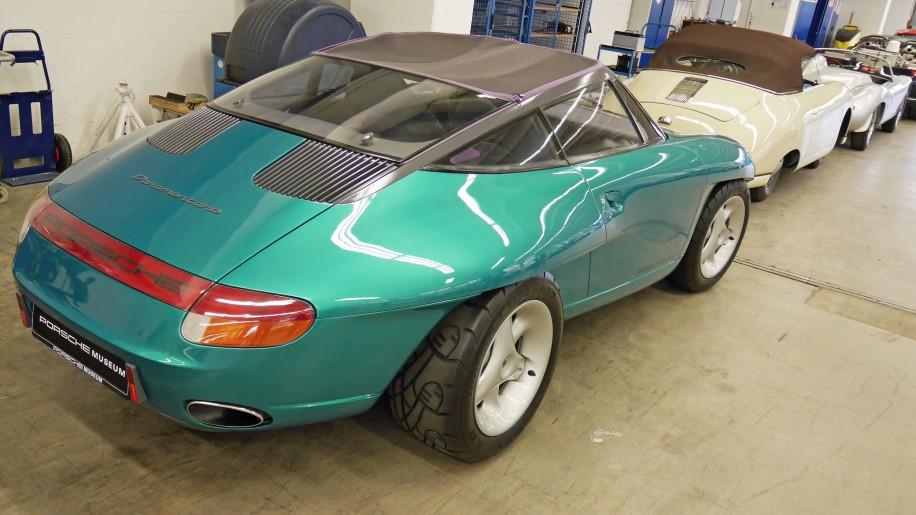 đuôi xe Porsche 12
