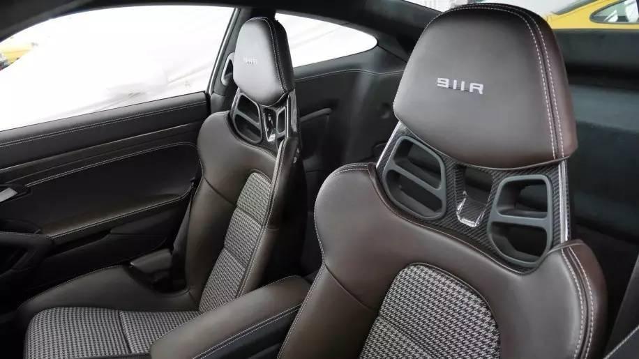 ghế xe Porsche 5