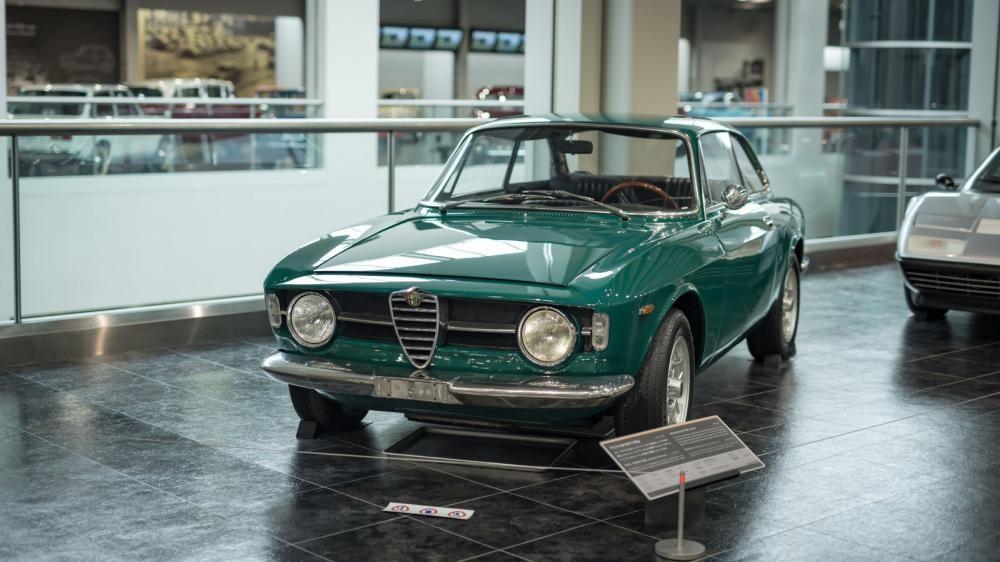 Alfa Romeo GT1300 Junior 17