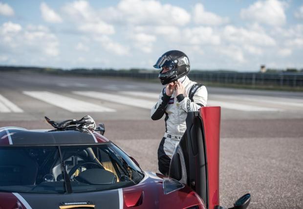 Tay đua Niklas Lilja đã điều khiển Koenigsegg Agera RS