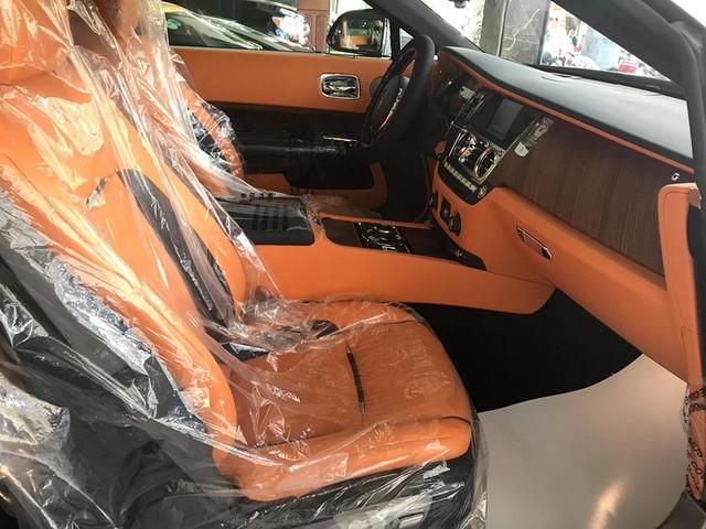 ghế trước Rolls-Royce Dawn 6