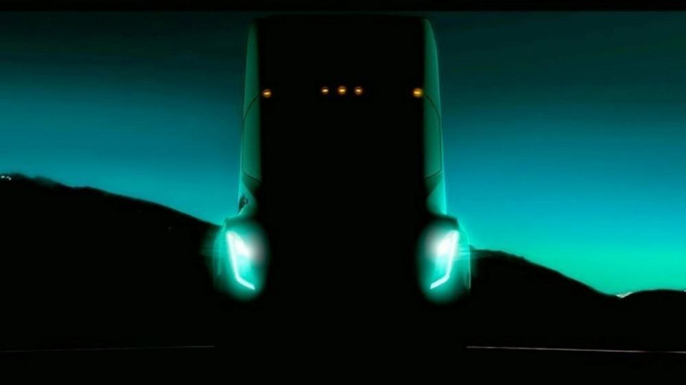 Tesla hoãn ra mắt Semi