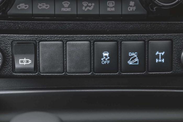 nút điều chỉnh Toyota Hilux 2018 4