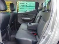 Hàng ghế thứ hai của Mitsubishi Triton 2017