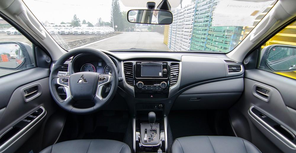 Nội thất của Mitsubishi Triton 2017