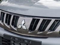 Logo trên Mitsubishi Triton 2017