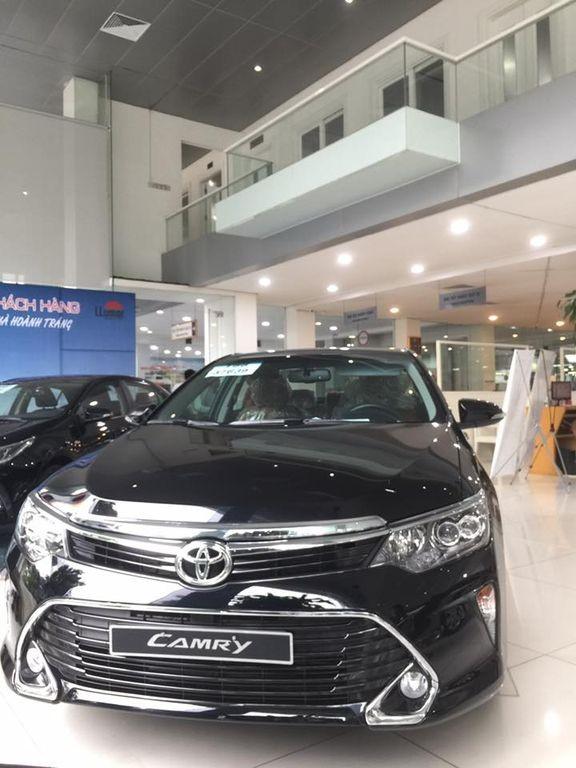 đầu xe Toyota Camry 2017 1