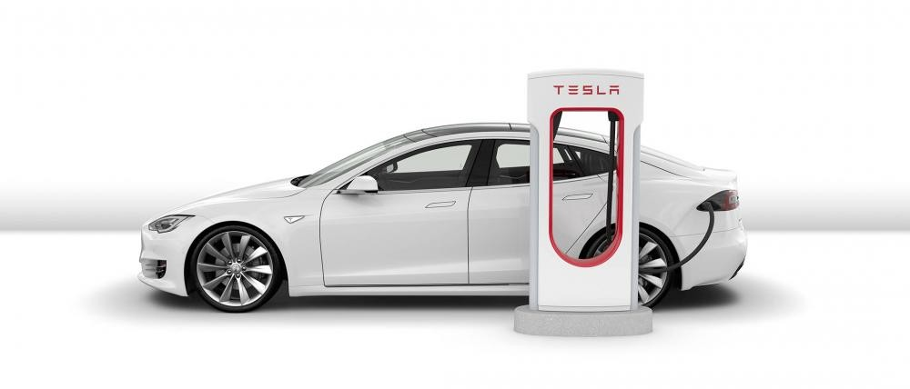 Tesla trong cuộc chiến xe điện