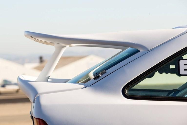 cánh lướt gió Ford Escort RS 6