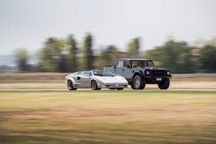 Lamborghini LM002 trên đường chạy 6