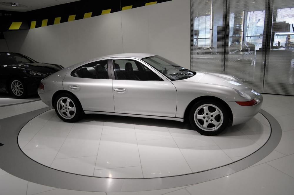 Porsche 989 10