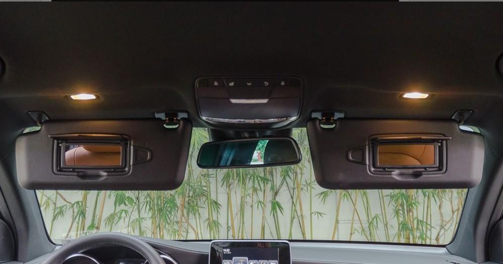 Hệ thống đèn trong nội thất Mercedes-Benz GLC-Class 2017