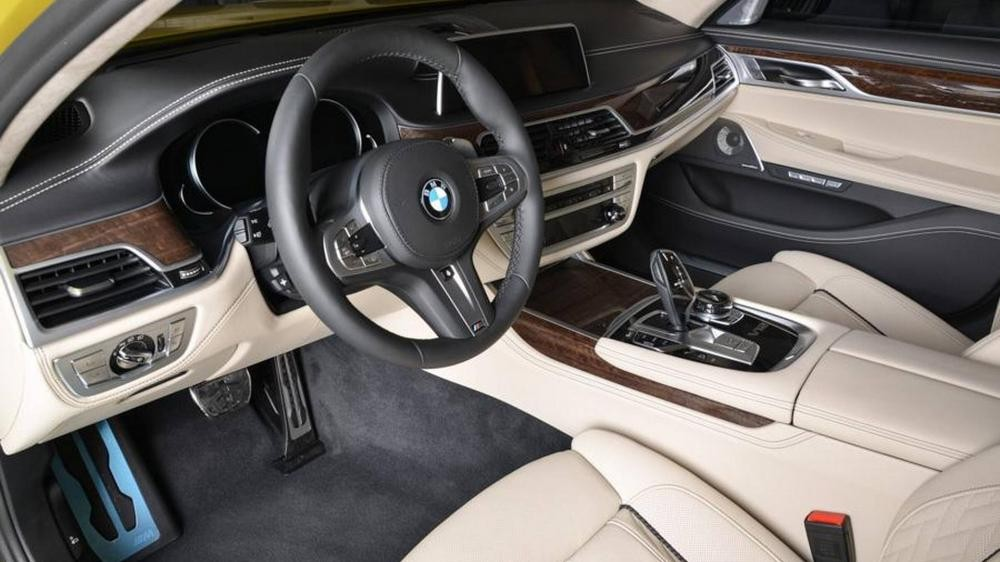 nội thất BMW M760Li 7