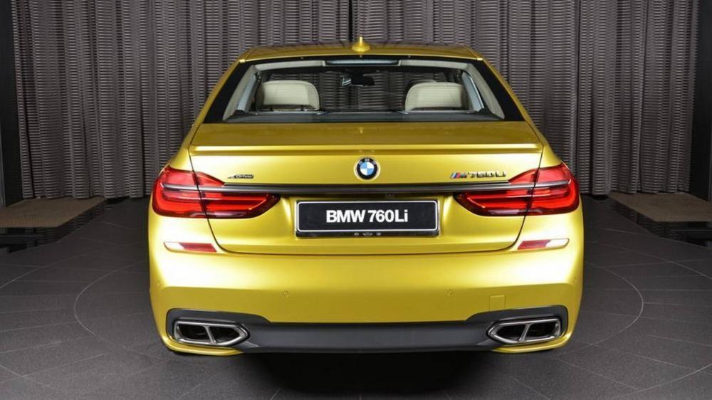 đuôi xe BMW M760Li 5