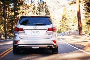 Thiết kế đuôi xe Hyundai SantaFe 2017 với Nissan X-Trail 2017