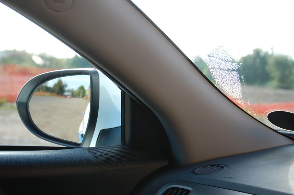 Gương chiếu hậu là bộ phận cần thiết trên xe để đảm bảo an toàn khi rẽ hay chuyển làn đường